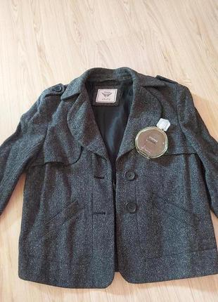 Стильный укороченный пиджак,жакет,esprit