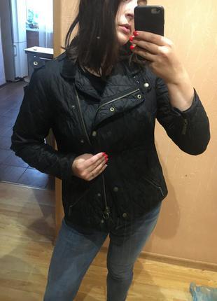 Куртка косуха стильная стегеная трендовая демисезонная отличная куртка утеплённая barbour international