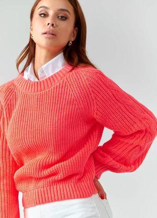 Женский свитер вязаный ярко розовый