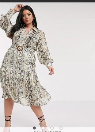Красивое платье в змеиный принт