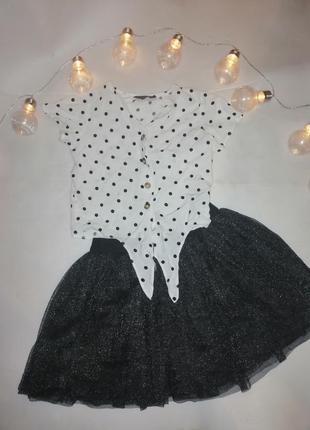 Блестящая юбка и рубашка можно в школу