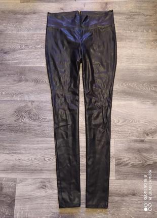 Кожаные штаны с молнией на попе