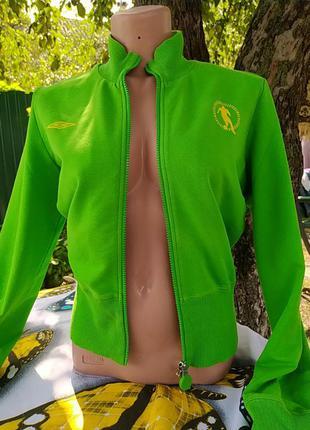 Ярко зеленая спортивная кофта на замке с длинным рукавом
