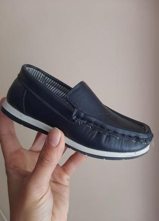 Туфлі, мокасини, лофери