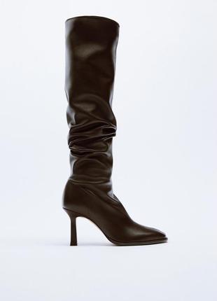 Шкіряні чоботи zara