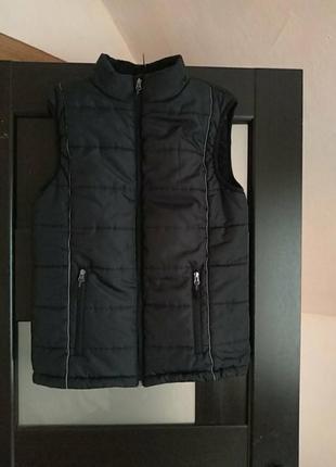 Теплая стеганая ,прочная жилетка фирмы king craft fashion.германия.