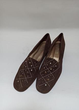 Мокасины (балетки)на каблучке.брендове взуття stock
