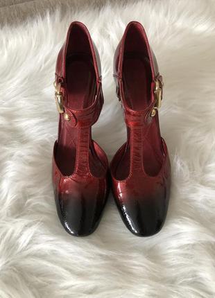 Итальянские кожаные туфли с золотой пряжкой👠👠