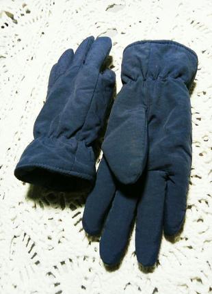 Теплые перчатки.