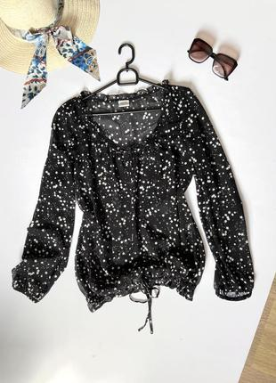 Блуза лёгкая шифоновая на резинке и шнурках