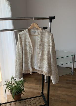 Пиджак жакет твидовый молочный бахрома