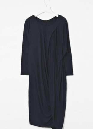 Трикотажное платье с драпировкой от cos