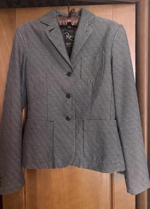 Пиджак,жакет из шерсти италия «лапка» с накладными карманами