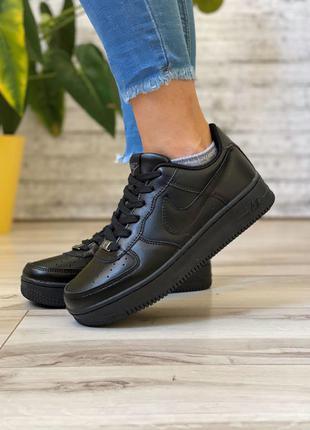 Базовые кожаные женские кроссовки черного цвета черные женские кроссовки из кожи демисезонные женские кроссовки nike на осень