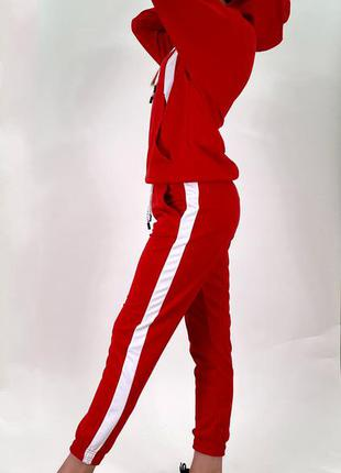 Костюм жіночий спортивний з червоної двунитки