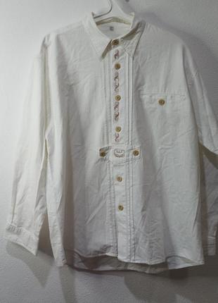 Рубашка большой размер в стиле вышиванка  нарядная народная с деревянными пуговицами белая