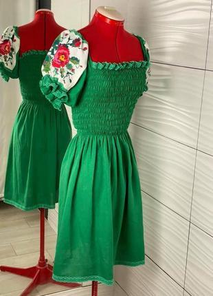 Дизайнерське плаття вишите хрестиком