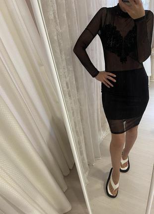 Платье нарядное чёрное по фигуре платье мини