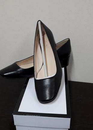 Классические женские туфли nine west