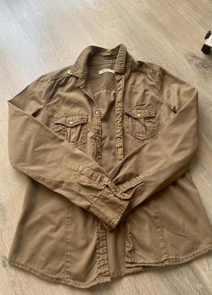 Блузка / рубашка стильная, (есть небольшое пятно на посл фото)