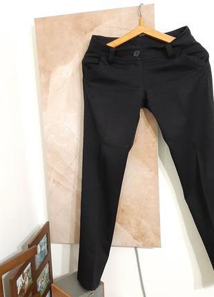 Класика!чудові чорні брюки з карманами
