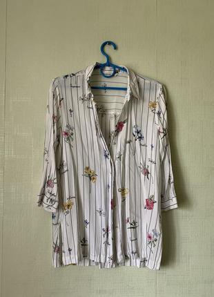 Удлинённая рубашка в полоску с цветами  stradivarius