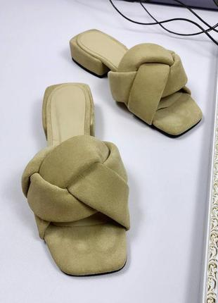 Рр 37,40.бежевые шлепки шлепанцы косичка из натуральной замши