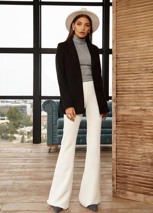 Базовые белые брюки клёш от zara