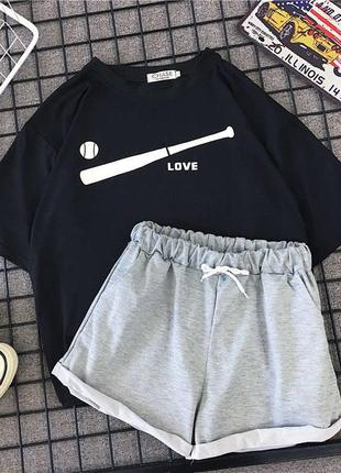 Отличный женский костюм футболка и шорты