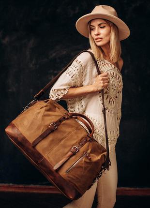 Вместительная дорожная сумка montreal. сумка для поездок и путешествий. вощеный канвас и нат. кожа