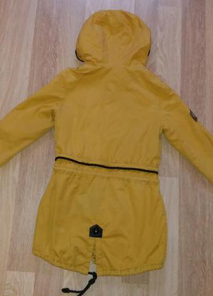 Модная демисезонная курточка-парка горчичного цвета olanmear collection3