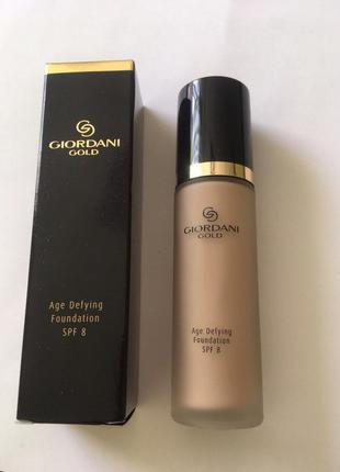 Антивозрасная тональная основа giordani gold