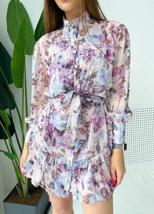 Шикарное платье в нежной цветочной расцветке