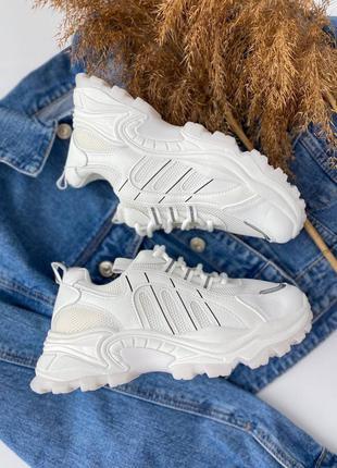 Белые базовые кроссовки с рефлективными вставками 🔥