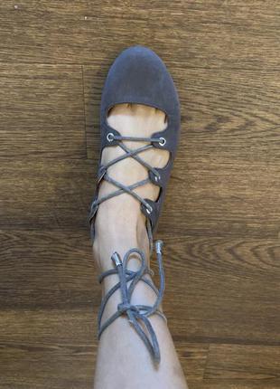 Балетки с завязками