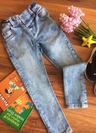 Классные джинсы,брюки,штаны для мальчишки next 3-4 года.