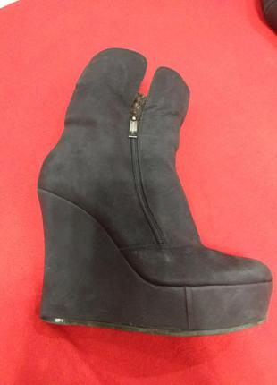 Стильные зимние ботинки сапоги