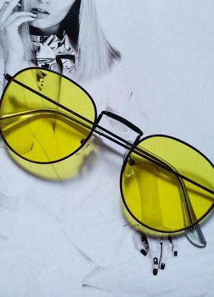 Солнцезащитные ретро очки в стиле ray ban жёлтый в чёрном