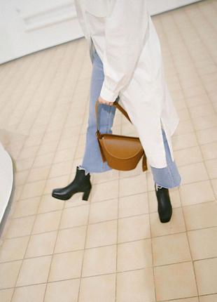 Ботинки на каблуке hvoya