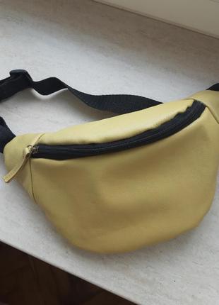 Желтая бананка сумка на пояс натуральная кожа поясная