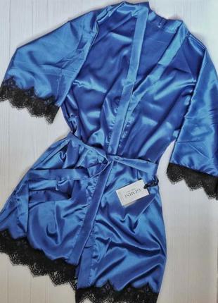 Атласний халат з кружевом