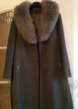Шерстяное пальто с мехом ламы