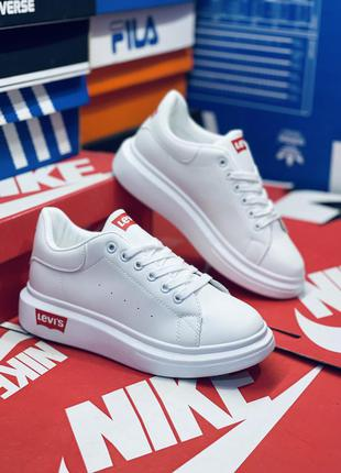 Стильные белые туфли. много обуви!!!