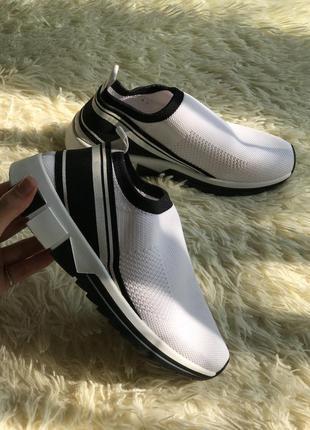 Кроссовки белые сеточкой