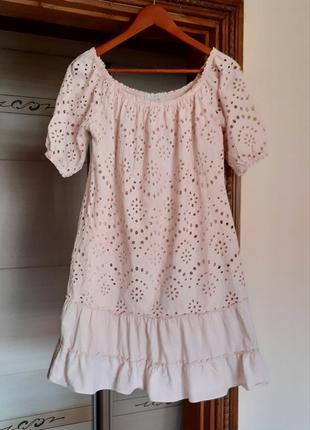 Красивое розовое хлопковое платье свободного кроя