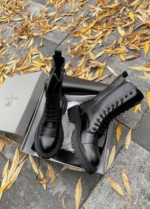 Шикарные женские ботинки из кожи в черном цвете