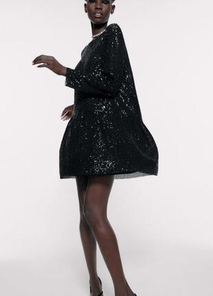 Zara платье черное с пайетками  миди однотонный цвет в стиле casual