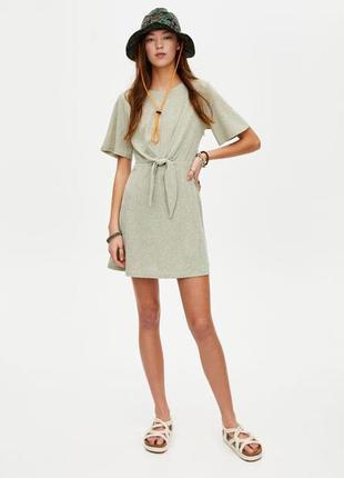 Платье с узлом спереди pull&bear