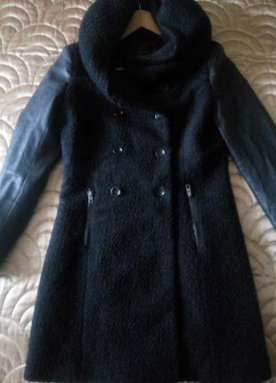 Брендовое пальто с капюшоном only