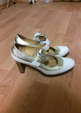 Туфлі basic editions біло-золоті